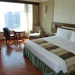 chambre tour 1 vue port 39eme étage
