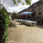 aire privative avec mobilier de jardin du gîte de LA LONGERE