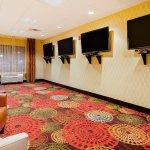 Photo of Holiday Inn Express Missoula NW