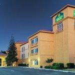 Photo of La Quinta Inn & Suites Bakersfield North