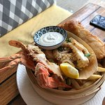 Seafood basket. There was no crab in the shell, only in the legs.