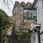 Front of the pub, seen from the steps leading up to the Rye's castle