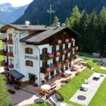 Photo of Hotel Cesa Edelweiss