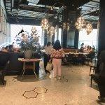 ภาพถ่ายของ Another Hound Cafe (Central Embassy)