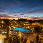 la piscine  juste après le coucher de soleil