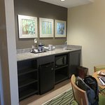 room 527 dining area