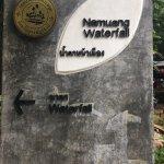 Na Muang Waterfall sign