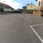 Parking amplio