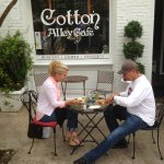 Foto de cotton alley cafe