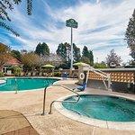 Photo of La Quinta Inn & Suites Atlanta Conyers