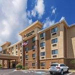 Photo de La Quinta Inn & Suites Midwest City - Tinker AFB