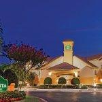 Foto de La Quinta Inn & Suites Dallas Addison Galleria