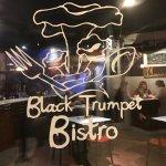 Black Trumpet Bistro Foto
