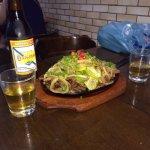 Cerveja gelada, comida mineira de raíz e bom atendimento!