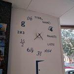 Saber la hora es el primer enigma... ;-)
