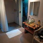 Wheelchair unit bathroom
