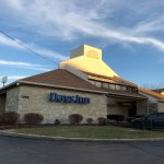Days Inn by Wyndham Middleburg Heights