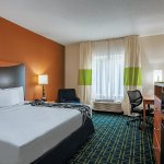 Photo of La Quinta Inn & Suites Manassas