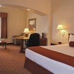 Foto de La Quinta Inn & Suites Fredericksburg