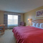 Country Inn & Suites by Radisson, Forest Lake, MN