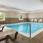 Photo de Country Inn & Suites by Radisson, Holland, MI
