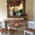 Lugares del hotel y amenidades especiales como la noche para parejas con tabla de quesos y detal