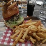 Angus beef burger with onion rings