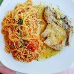 Maiale con spaghetti pomodoro
