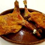Cordero asado, la tradición gastronómica de la cocina castellana.