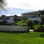 Photo de Coral Cove Cottages & Apartments