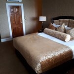 Photo of Lake Hotel