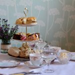 Afternoon tea, with or without prosecco