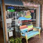 Great little frozen yogurt shop to visit while at Fisherman's Village in Punta Gorda, Florida. Y