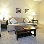Turret Suite Queen/Queen Living Room