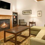 Photo of Country Inn & Suites by Radisson, Findlay, OH