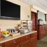 Foto de Country Inn & Suites by Radisson, Fredericksburg South (I-95), VA