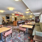 Photo of Country Inn & Suites by Radisson, Dearborn, MI
