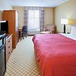 Country Inn & Suites by Radisson, Saginaw, MI