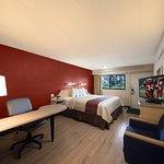 Photo of Red Roof Inn Cincinnati Northeast - Blue Ash