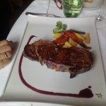Foto de Parador de Santillana Gil Blas. Restaurante El Jardin de Gil Blas