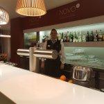 Novo2 Lounge Bar mit dem freundlichen Barkeeper