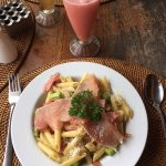 Pasta with asparagus & jam + fresh guava juice