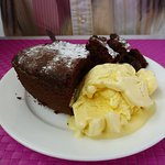 chocolate gateaux with ice cream