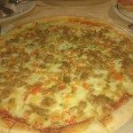Los Porches - Tuna Pizza
