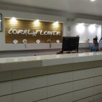 On Vacation Coral Flower Foto