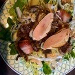 très bonne salade avec gesiers, foie gras, pruneau avec ventrèche