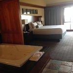 Bath, looking into bedroom, upper lever #423