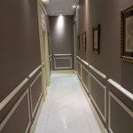 Sobre et beau couloir