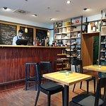 Фотография Petit (Cru) wine bar & shop