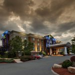 Holiday Inn Express & Suites Middleboro Raynham Foto